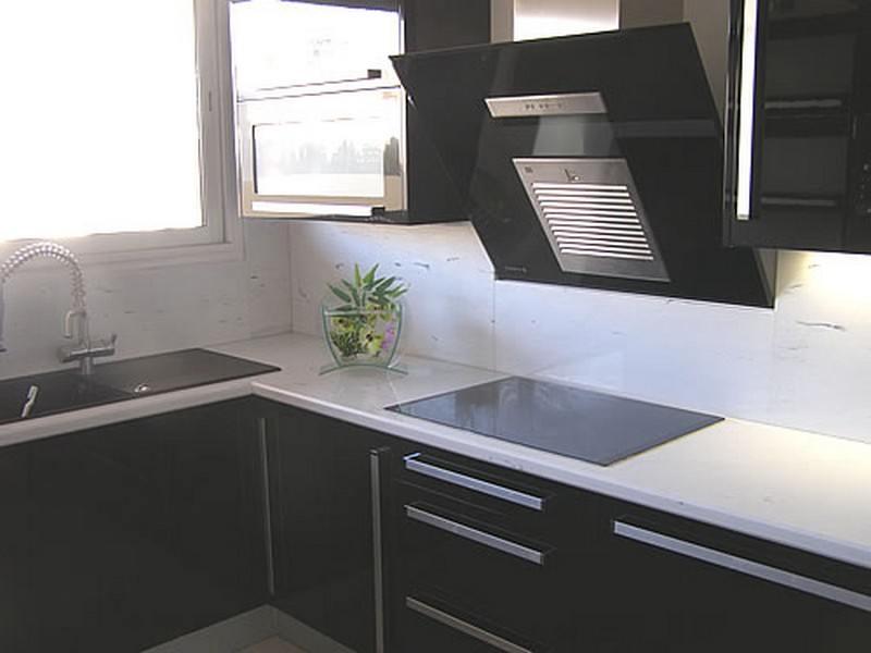 Le marbre et la cuisine marbrerie blach re - Cuisine marbre blanc ...